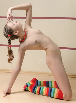 Free Teen Pigtails Porn Pictures